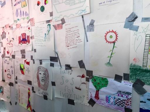 Ocean Viking: l'insouciance et les cauchemars sur les dessins des migrants