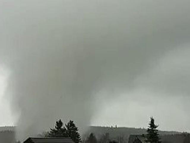 Une tornade spectaculaire traverse un village allemand près d'Eupen