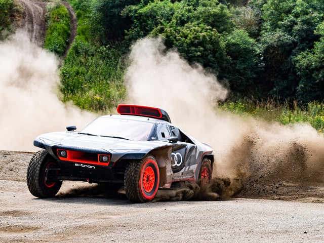 Audi dévoile son RS Q e-tron destiné au Dakar