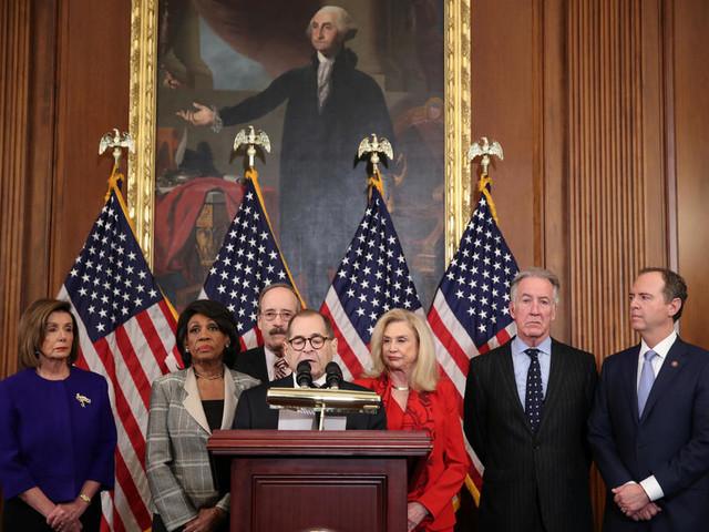 """Les démocrates ont fait un pas """"solennel"""" vers l'impeachment de Trump"""