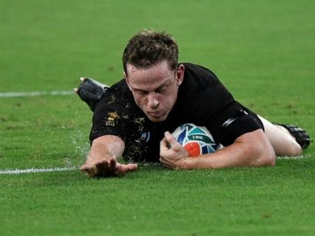 Mondial de rugby: les All Blacks récitent leurs gammes en zone humide