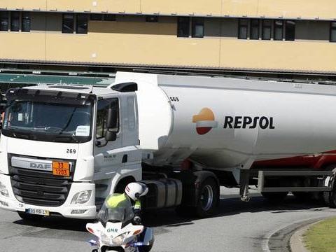 Grève de camionneurs au Portugal: Les stations-service ravitaillées sous escorte