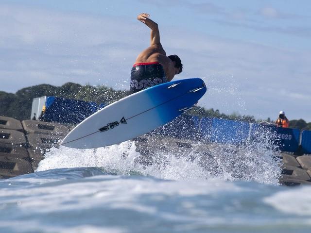 JO 2021 - Surf : Jérémy Florès au creux de la vague