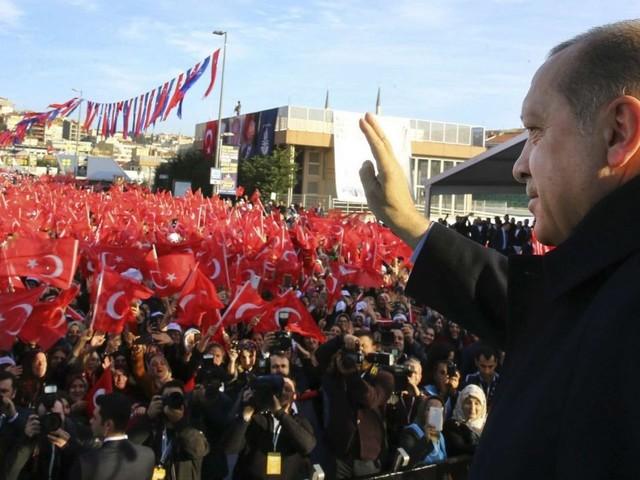 Nouvelle purge en Turquie : 2.700 personnes limogées