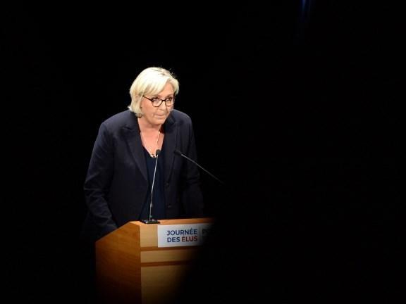"""EN DIRECT - Européennes : Marine Le Pen appelle les Gilets jaunes à voter RN et s'en prend à LFI, """"la France islamiste"""""""