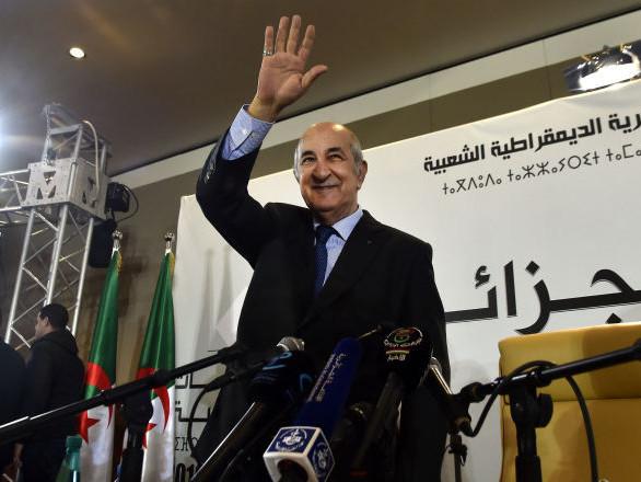 Le nouveau Président de l'Algérie «tend la main» au mouvement de contestation et s'engage à «amender la Constitution»