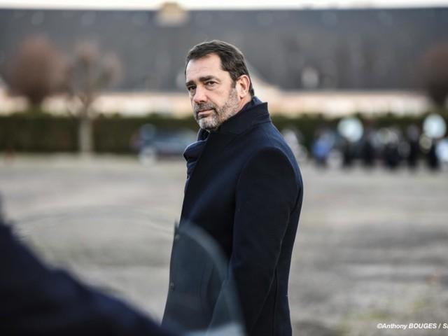 """Gilets jaunes : Christophe Castaner """"ne connaît aucun policier ou gendarme"""" qui a """"attaqué"""" les manifestants"""