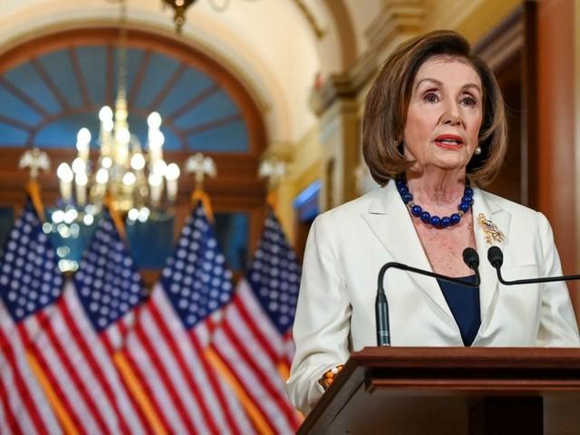 Nancy Pelosi annonce l'acte d'accusation, Donald Trump répond sur Twitter