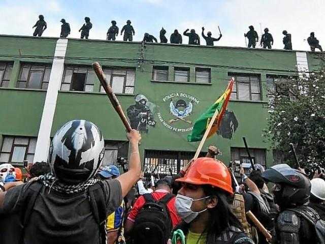 Bolivie. La police se révolte, Morales dénonce un coup d'État