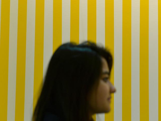 Au Centre Pompidou, un tableau de Buren dégradé à coups de cutter