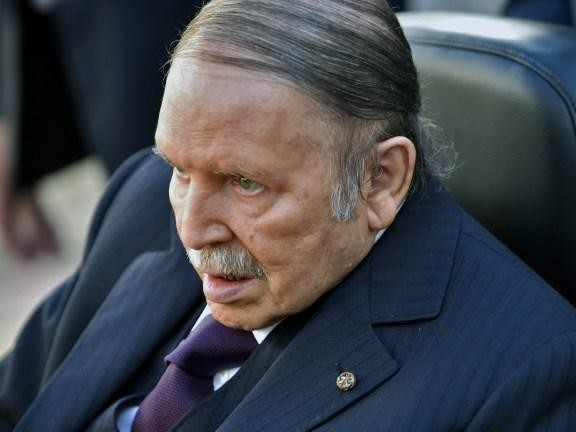 EN DIRECT - Algérie : des milliers de personnes manifestent à nouveau à Alger contre le prolongement du mandat de Bouteflika