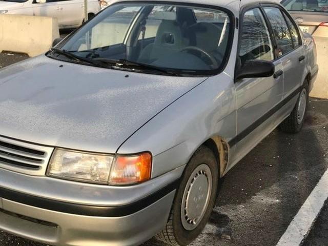 26 ans plus tard, cette Toyota Tercel à vendre est encore comme neuve