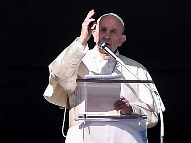 Le pape dénonce les violences faites aux femmes dans sa première messe de 2020
