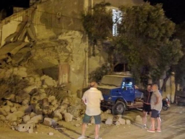 Séisme sur l'île d'Ischia en face de Naples: au moins un mort et neuf disparus