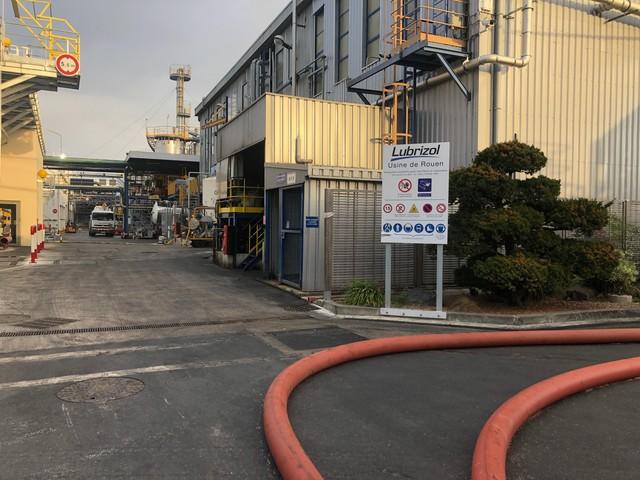 Les pompiers appelés dans l'après-midi sur le site de Lubrizol à Rouen, pour « des odeurs »