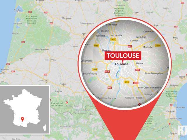Toulouse : un pont s'effondre, un camion et une voiture tombent dans le Tarn