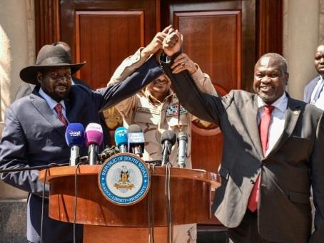 Soudan du Sud: le rebelle Riek Machar redevient vice-président, espoirs de paix relancés