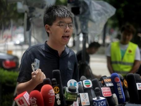 Hong Kong: arrestations dans le camp prodémocratie avant un week-end tendu