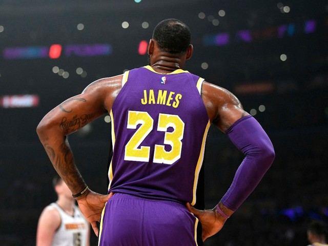 Nike empêche LeBron James de donner son #23 à Anthony Davis