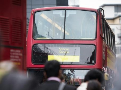 Couple lesbien agressé à Londres: Quatre adolescents âgés de 15 à 18 ans arrêtés