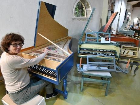 """A Montpellier, une """"maestra des clavecins"""" fait chanter le bois et le fer"""