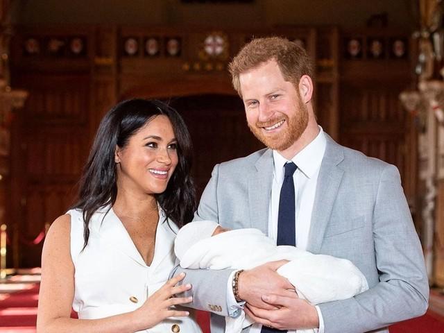Prince Harry en mode cocooning : Des sandwiches à la main pour Meghan Markle