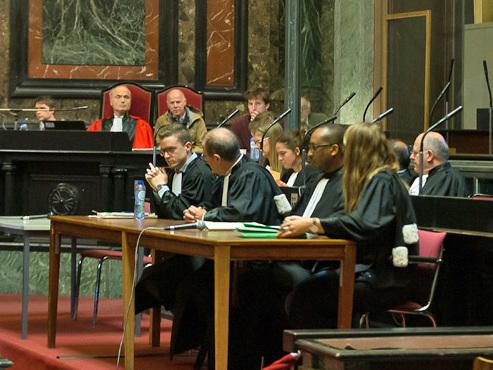 Un témoin transmet une facture d'hôtel à la cour par l'intermédiaire de l'accusé: polémique au procès de Fabien Neretsé pour génocide