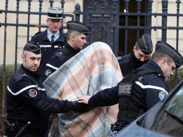 """Affaire Kulik : Willy Bardon """"dans un état grave"""" après avoir tenté de se suicider suite à sa condamnation à 30 ans de prison"""