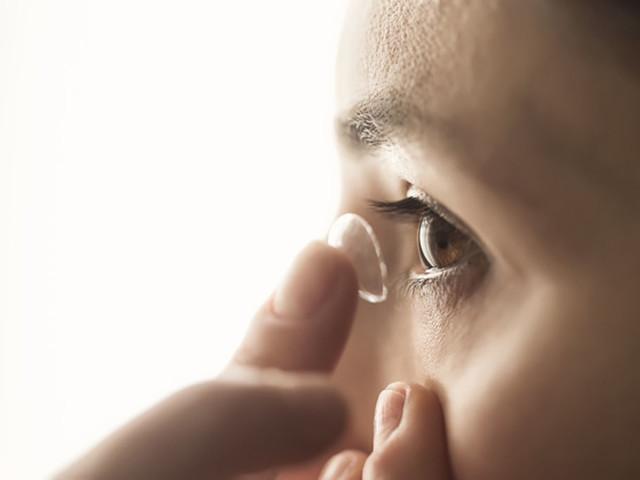 Technologie : des lentilles à aiguilles pour lutter contre les maladies de l'oeil