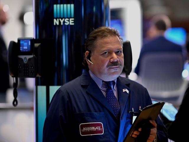 Wall Street dans le vert, encouragée par le commerce et les résultats trimestriels
