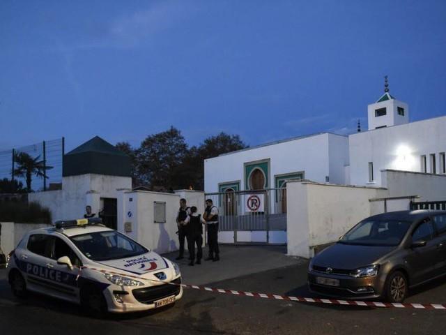 Attaque à la mosquée de Bayonne : ce que l'on sait ce matin
