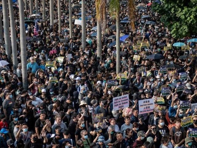 Les manifestants de retour dans les rues de Hong Kong après une accalmie