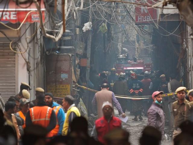 En Inde, l'incendie d'une usine-dortoir faire au moins 43 morts