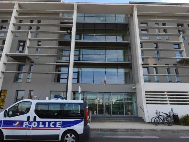 Un ado frappé au couteau pour un portable dans le centre de Nantes