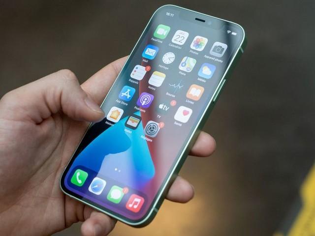 Actualité : Labo – iPhone 12 Pro d'Apple : un écran qui attire toujours autant les reflets