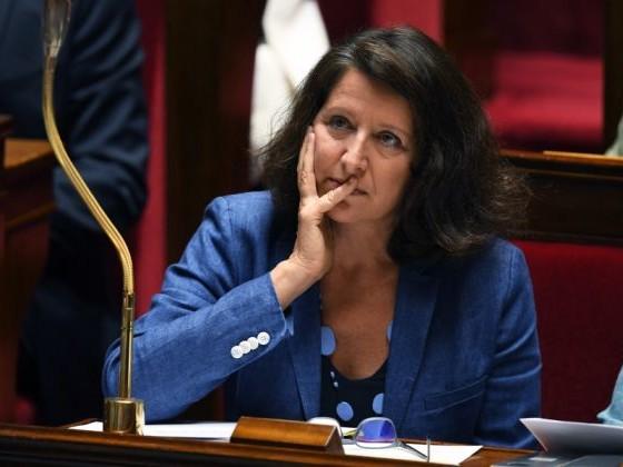 """Agnès Buzyn travaille sur le """"problème de rémunération"""" de l'hôpital public"""