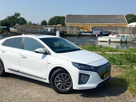 Prise en mains – Hyundai Ioniq Electric restylée (2019) : toujours la plus sobre des électriques ?