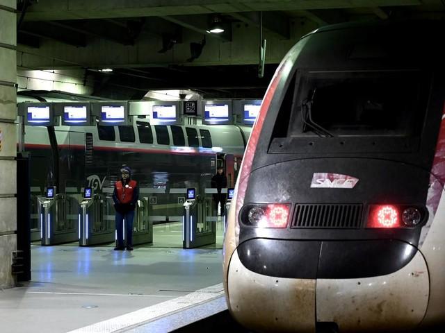 EN DIRECT - Grève RATP et SNCF, circulation : le point sur le trafic mardi