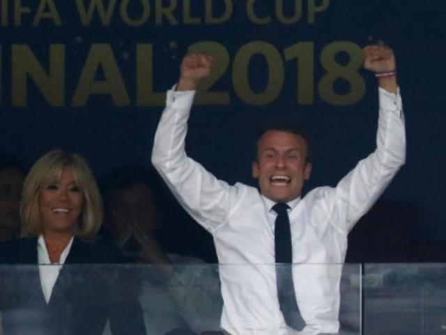 France-Croatie: l'émir du Qatar a cédé sa place à Brigitte Macron pour qu'elle soit à côté de son mari