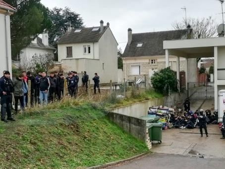 """Les mères de lycéens arrêtés voici un an à Mantes-la-Jolie vent debout contre l'""""humiliation"""""""