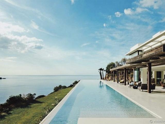 Meghan Markle et le prince Harry à Ibiza : les photos de leur villa à 118 000E la semaine dévoilées !