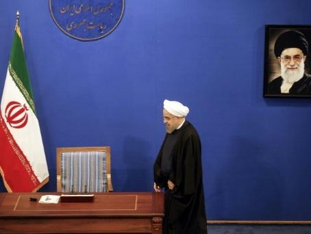 "Iran: Rohani a dit à Macron qu'il ""fera tout pour rester dans l'accord"""