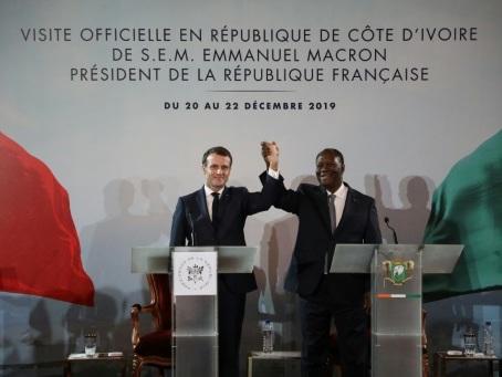 Foule et réconciliation pour Macron à Bouaké