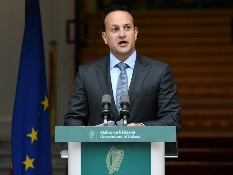 Irlande : des élections anticipées juste après le Brexit