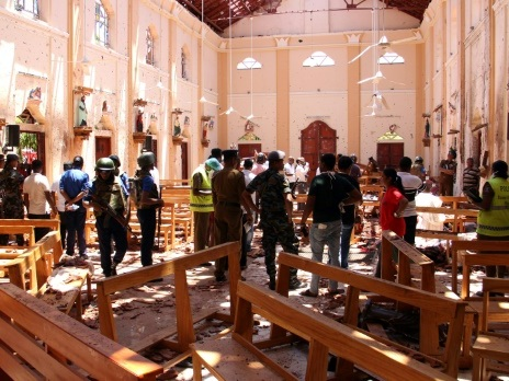 """Attentats au Sri Lanka: Macron condamne """"fermement"""" des """"actes odieux"""""""