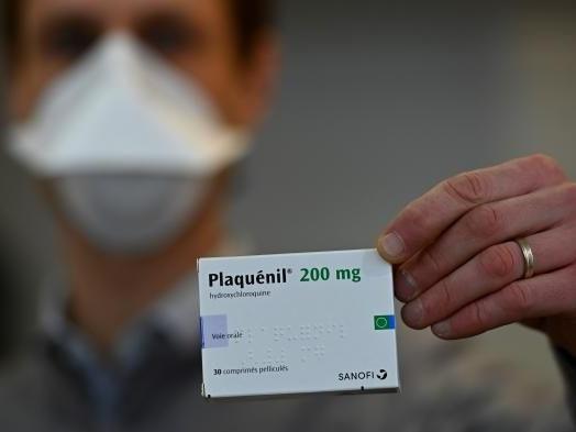 Traitements contre le Covid-19 : pourquoi les autorités de santé surveillent de près les effets indésirables liés au Plaquénil