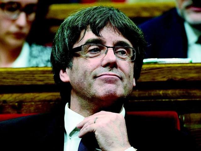 """Manuel Valls candidat à Barcelone ? Il """"ne connaît pas"""" la ville assure Puidgemont"""