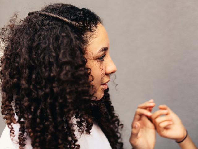 """[+212] Meryem Benomar: """"Le cheveu 'hrach' est le reflet d'un métissage peu assumé"""""""