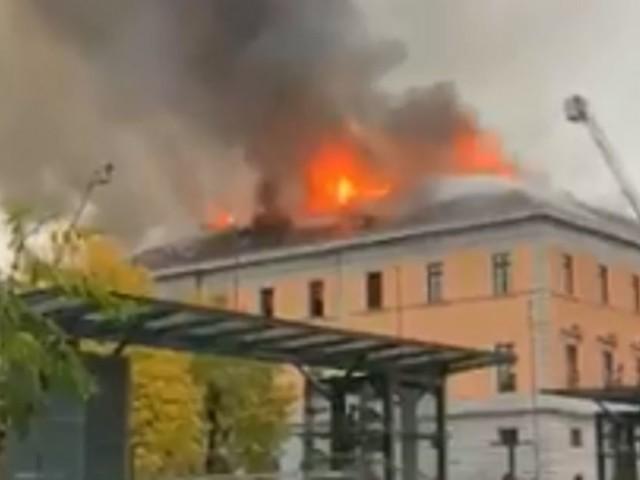 La mairie d'Annecy en proie à un incendie