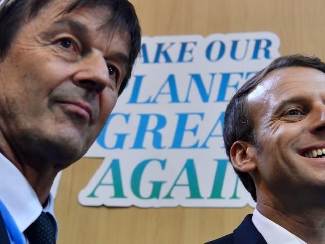 Emmanuel Macron joue au leader écolo à l'international, mais que vaut-il en France sur ce sujet?